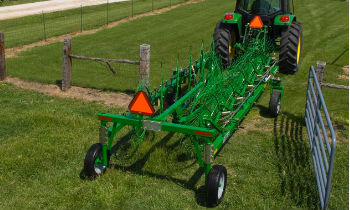 JohnDeere-WheelRakes-WR21-series.jpg