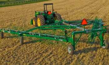 JohnDeere-WheelRakes-WR22-Series.jpg