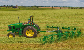 JohnDeere-WheelRakes-WR30-Series.jpg