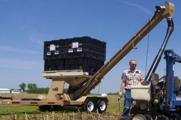 Unverferth | Seed Pro Bulk Box Tender | Model 200 for sale at Columbus, Elmer, Marlboro, Hammonton, Columbia, NJ